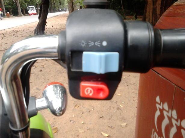 Green_e-bikeのハンドル